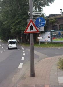 "Köln kürzester ""Radweg""!?"